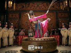 《鬓边不是海棠红》置景还原历史 京剧唱词专业